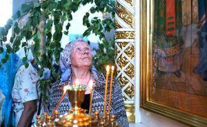 Почему в день Троицы украшают зеленью храмы и дома