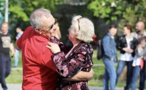 Суббота в Луганске: где послушать музыку, где потанцевать, что посмотреть... можно и шаром покатить