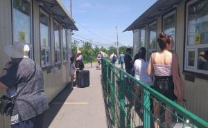 На КПВВ в Станице Луганской за неделю пассажиропоток резко уменьшился