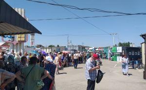 У Станицы на пункте пропуска со стороны Луганска теперь практикуется полный досмотр перевозимого багажа