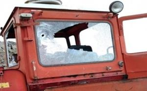 Под Попасной обстреляли фермерский трактор. Трактористу повезло
