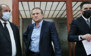 Медведчук прибыл в суд для рассмотрения апелляции. Заседание длилось 5 минут