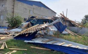 Житель Луганщины погиб во время урагана. Его снесло крышей