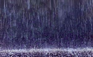 В Луганске прямо сейчас начнется сильный дождь с градом
