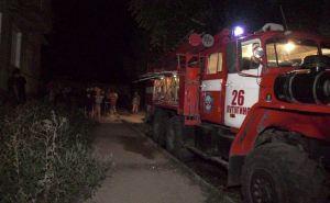 В масштабном пожаре под Луганском погибли два человека, трое пострадали, в том числе ребенок. Шесть человек спасены. ФОТО