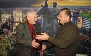 В Луганске «черные риелторы» пытаются захватить наследство народного комментатора Юрия Сипунова?
