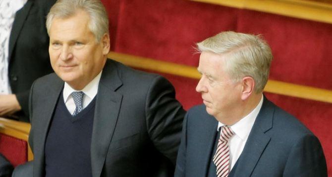 Кокс и Квасьневский продолжат работу в Украине