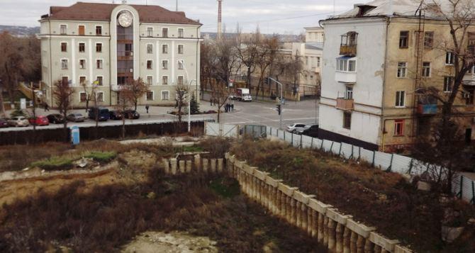Заложники строительства: история с жилкомплексом «Донбасс-холл» продолжается (видео)