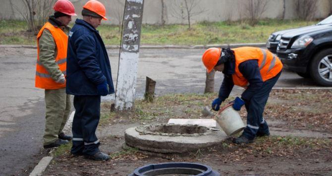 Мэр Луганска отчитался о закрытых люках (карта, адреса)