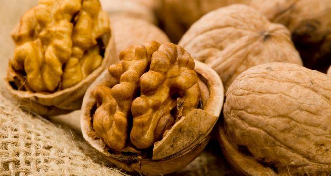 Употребление орехов продлевает жизнь