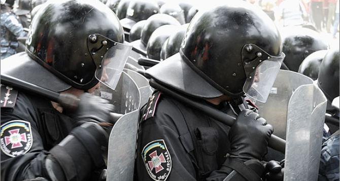 В милиции объяснили, почему в центре Киева появились военные