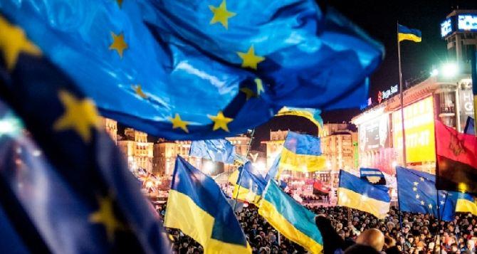 Евромайдан потребовал от Януковича не вступать в Таможенный союз