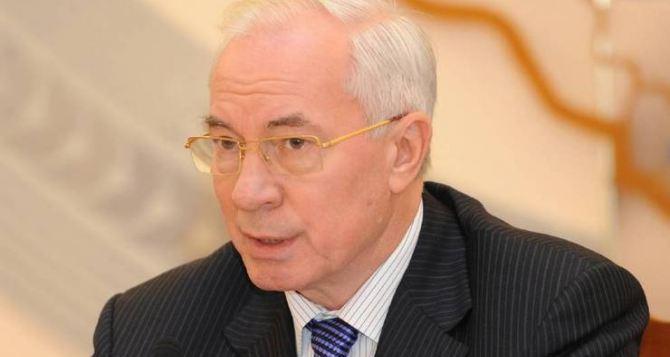 Азаров отбыл с рабочим визитом в Россию
