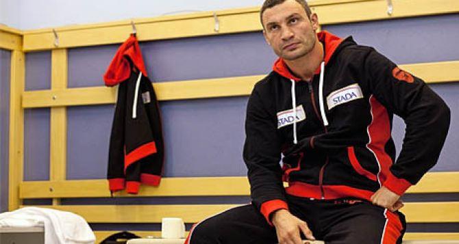 Названы лучшие боксеры и поединки 2013 года. Виталий Кличко— почетный чемпион