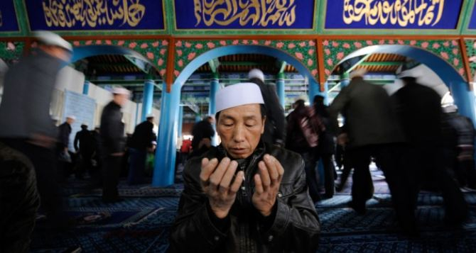 Жертвами давки во время религиозного обряда в Китае стали 14 человек