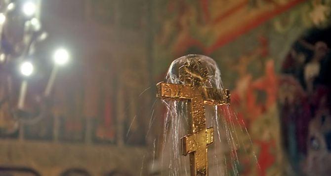 Ученые прокомментировали особые свойства крещенской воды
