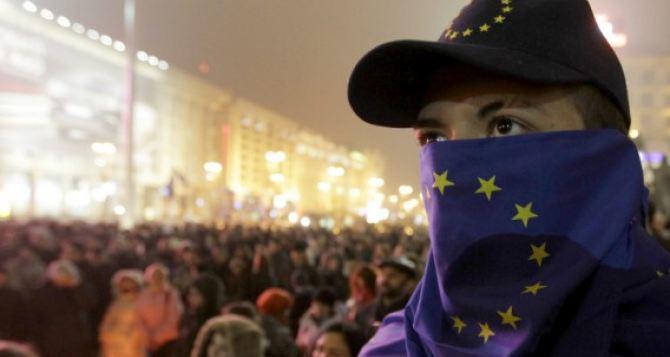 Участников Евромайдана вооружают. —Милиция