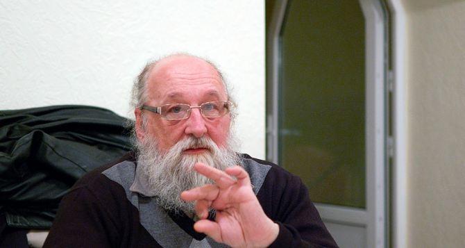 Луганский священник-блогер прокомментировал беспорядки в Киеве