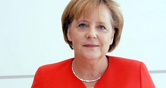 Ангелу Меркель подозревают в сотрудничестве с американскими спецслужбами?