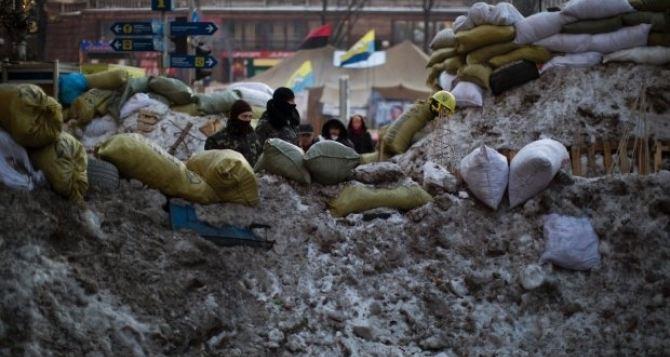 На ул. Грушевского тают баррикады