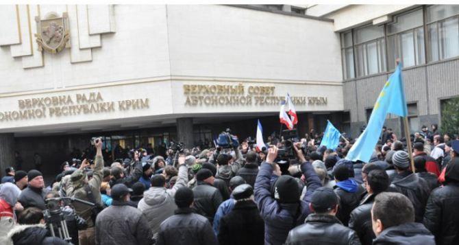 Во время митинга в Симферополе умер мужчина