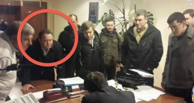 Именитые артисты Луганской области требуют дать оценку действиям Бенюка