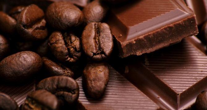 Захватившим здание СБУ в Луганске захотелось черного шоколада?