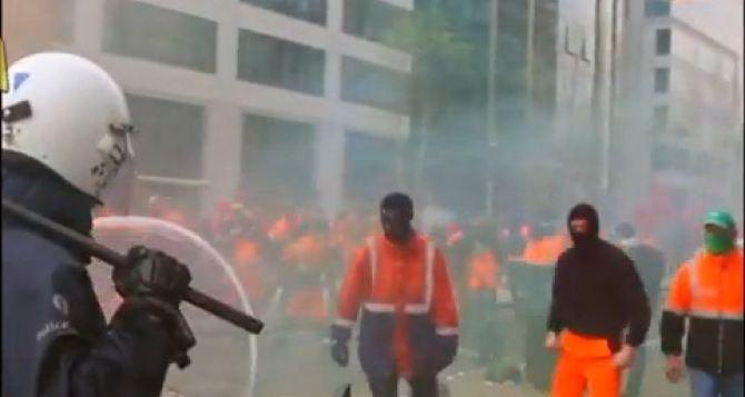 В Бельгии демонстрации против жесткой экономии вЕС закончились столкновениями (видео)