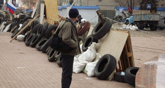 Желание некоторых политиков попиариться мешает договорному процессу в Луганске