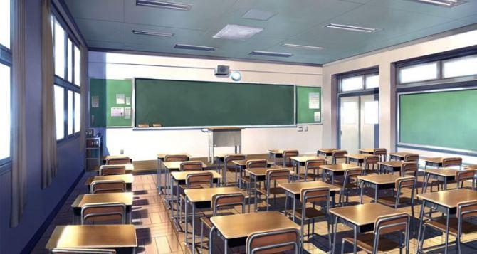 Возле захваченного здания СБУ в Луганске заработала школа