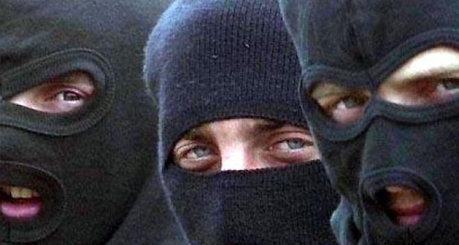 В Луганске вооруженные люди пытались похитить судью