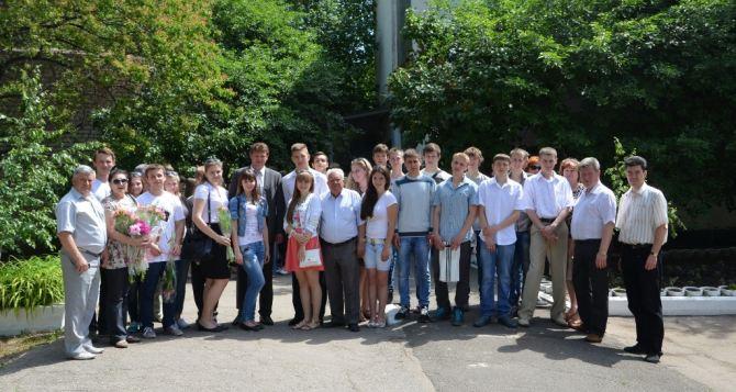 Луганские школьники завершили обучение на базе ПАО «Лугансктепловоз» (фото)