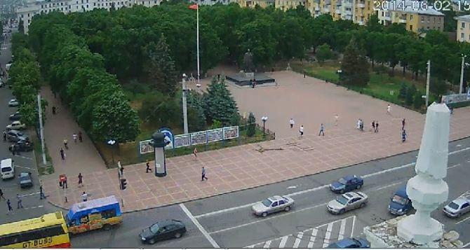 Луганскую облгосадминистрацию обстреляли с воздуха. —СМИ (фото, видео)
