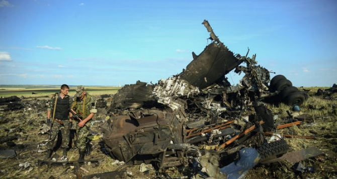Крушение Ил-76 в Луганске: прокуратура нашла виновных среди военных