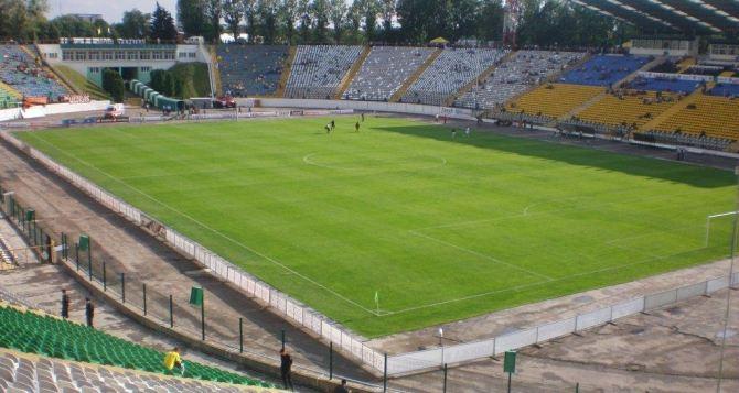 Посещаемость футбольных стадионов катастрофически упала. —Гендиректор «Зари»