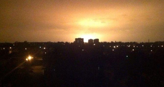 Вечером в Донецке местные жители зафиксировали мощный взрыв +