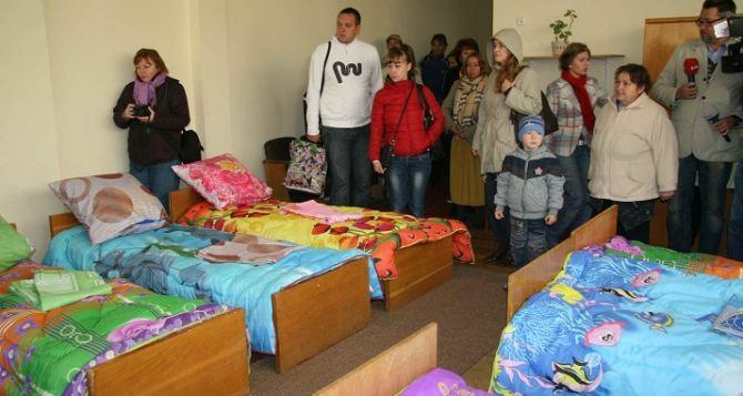 На Харьковщине готовят к зиме жилье для переселенцев