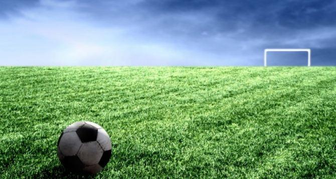 Суровый донецкий футбол под обстрелами (видео)