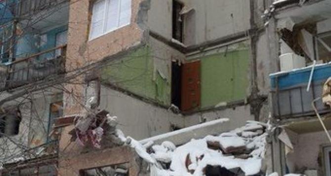 Первомайск в Луганской области из-за обстрелов превращается в руины (фото)