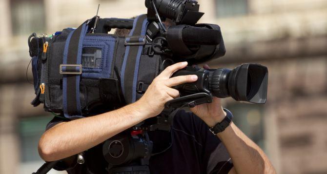 Журналистам канала «Украина» на блокпостах угрожали бойцы батальона «Днепр-1» и «Правый сектор»