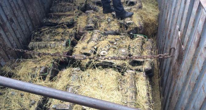 В Луганской области пограничники задержали груз двигателей к военной технике (фото)