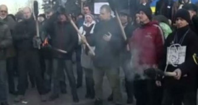 Под Харьковом ГАИ не пустила активистов на кредитный Майдан