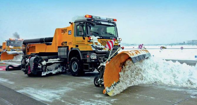 Жителей Донецка просят не мешать работе снегоуброчной техники