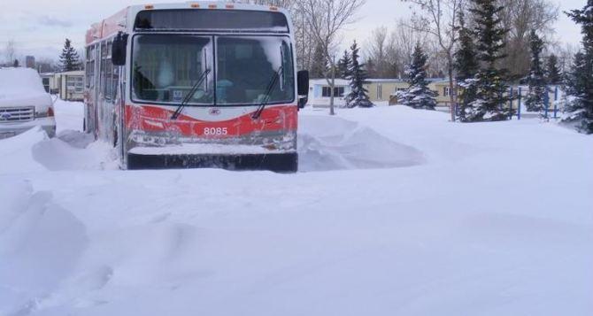 Из «снежного плена» под Свердловском спасли 9 пассажиров застрявшего автобуса