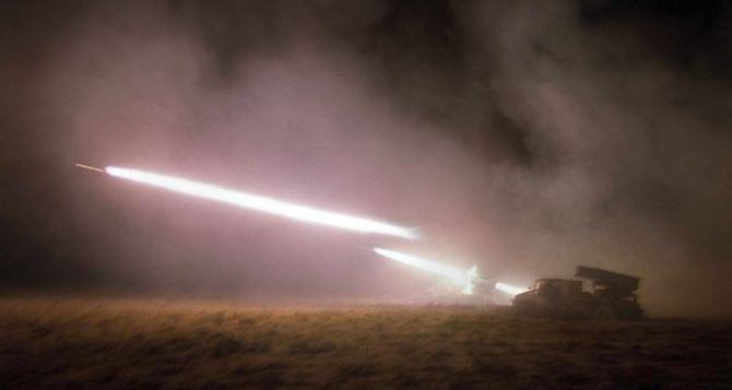 Обстрел Славяносербского района и Кировска: разрушены 27 жилых домов, 5 человек ранены