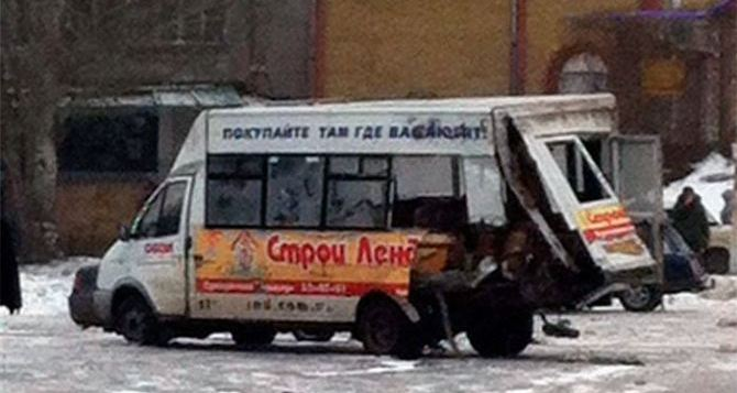 ДТП с участием военного грузовика и маршрутки в Луганске: состояние пострадавших