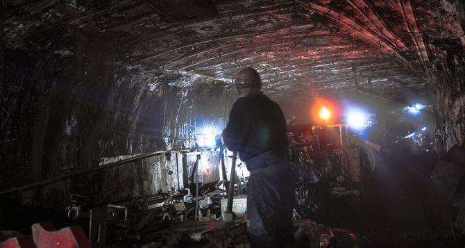 «Лисичанскуголь» и «Первомайскуголь» добыли в 2014 году более 1 млн. тонн угля