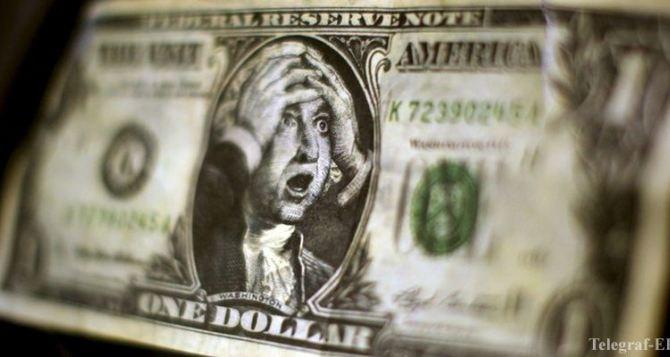 Доллар-рекордсмен: курс валют продолжает расти, а гривна падать