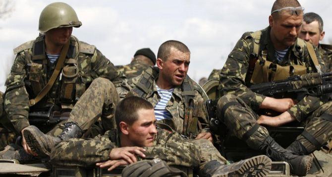 Вооруженные люди в камуфляже с нашивками «Айдара» ограбили храм в Луганской области. —Москаль