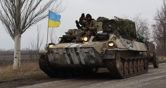 В ЛНР заявили, что украинская сторона опаздывает с отводом техники на 4 дня